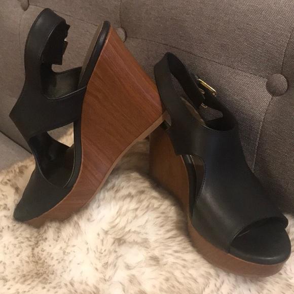 american eagle black platform sandals